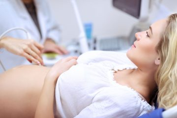pregnant-woman-doing-ultrasound-scan